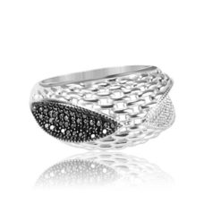 Modern Design Women's Ring Inlaid With Black And Diamond Stone